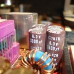 Fallas y soluciones en capacitores dañados en el motherboard